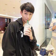 Thai Tea, Cute Gay Couples, Series Movies, Asian Boys, Im In Love, Boyfriend Material, Cute Kids, Thailand, Actors