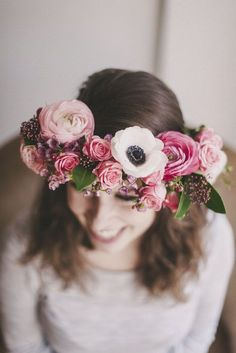 10 DIY Floral Wedding Crowns