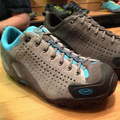 Oboz Teewinot Hiking Shoes - love them. Perfect for all day hikes, especially with kids. #camping #hiking #shoes
