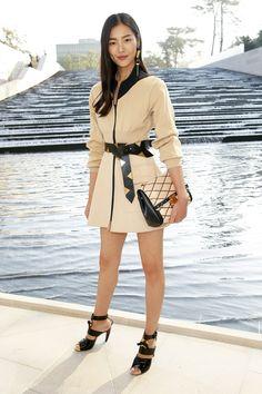 Liu Wen - Front Row At Louis Vuitton SS15 #PFW