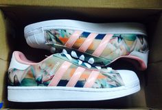 Shoes >>> Adidas Superstar Lotus