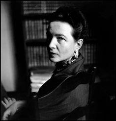 Elliott Erwitt, Simone de Beauvoir, Paris, 1949