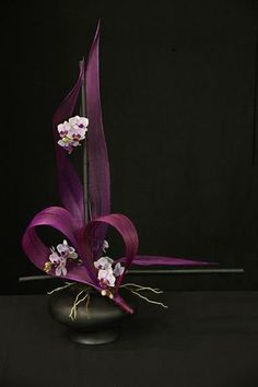 1st place and Colleen Fernie Trophy, Sharon Benton, Hibiscus Coast Floral Art Club: