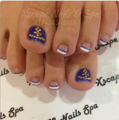 Beach Nail Designs | Beach toes. Nautical design.