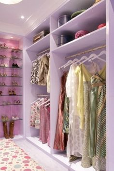 Need more closet space? Consider making sure your new home or remodel includes a walk in closet. A walk-in closet can hold all your clothing and shoes neat and tidy within a large room to walk around. Walk In Closet Small, Walk In Closet Design, Small Closets, Closet Designs, Teen Closet, Master Closet, Closet Space, Custom Closet Design, Custom Closets