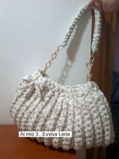 Al mio 3...Evviva Leria: BORSA CICCIOSA IN FETTUCCIA - TUTORIAL