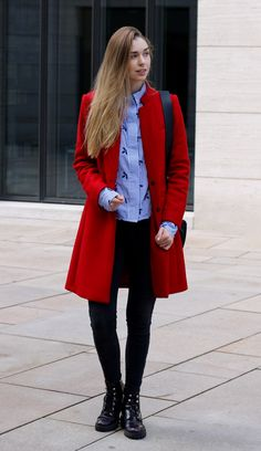 Style Guide Coat Trends Fall 2017. Red Coat by Mango. || Mantel Trends 2017 - Rot, Oatmeal & Bonbon-Farben