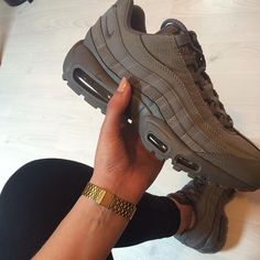 Adidas Women Shoes - Sneakers femme - Nike Air Max 95 - ©mllly - We reveal the news in sneakers for spring summer 2017 Sneakers Mode, Sneakers Fashion, Fashion Shoes, Nike Sneakers, Cheap Fashion, Fashion Women, Fashion Ideas, Nike Free Shoes, Nike Shoes Outlet