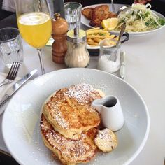 "Lifestyle by Namir Dankaro på Instagram: ""Saturday brunches are a necessity. Ricotta and banana hotcakes and a mimosa. #foodlondon #food #grangerandco #nottinghill #westbournegrove #brunch"", London."