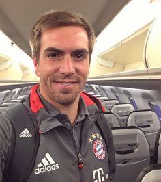 Fc Bayern München Philipp Lahm, Thomas Muller, Hollywood Music, Kicker, Star Wars, Lewandowski, Movie Trailers, Munich, Athletic