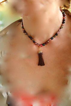 """Collar corto #ágata #borla.  *Colección """"Talismanes*  #bisuteria #bisuteriafina #art #accesorios #fashion #moda #mujer #collares"""