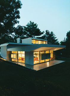 The Boling Residence in Wyoming, Ohio. Published in Dwell Dec/Jan 2008. Photo by Chad Holder. Read More: http://www.dwell.com/articles/home-schooled.html