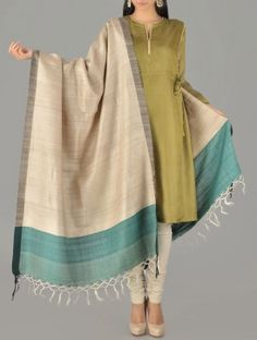 Beige Green Handwoven Silk Dupatta Simple Dresses, Casual Dresses, Fashion Dresses, Indian Wedding Outfits, Indian Outfits, Indian Fashion Trends, Salwar Designs, Silk Dupatta, Indian Dresses