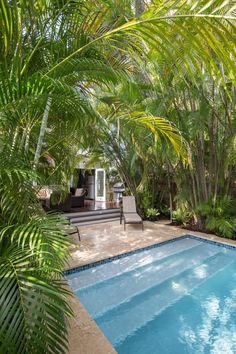 Backyard Oasis is Tropical, Relaxing | HGTV