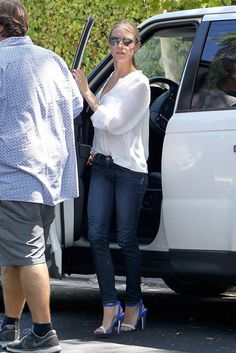 Kristin Cavallari arrives to the set of The League in L.A. on July 25. #celebrity #candids #kristincavallari #spotted #arriving #set #onset #theleague #la #hollywood #thehills #lagunabeach #camden #camdenjack #jaycutler #style #fashion