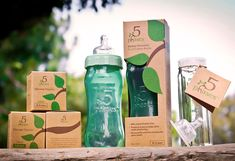 Breast feeding is always best for baby however medical experts agree glass is the preferred choice in bottle feeding. There is no other glass baby bottle like it! Best Baby Bottles, Glass Baby Bottles, Eco Kids, Eco Baby, No Plastic, Everything Baby, First Baby, Baby Registry, Baby Gear
