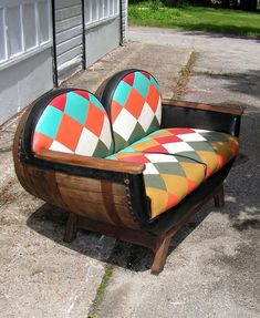 MOD Double Barrel Love Seat Vinyl Patchwork by curioscity Wine Barrel Chairs, Whiskey Barrel Furniture, Barrel Table, Whiskey Barrel Decor, Unusual Furniture, Diy Outdoor Furniture, Pallet Furniture, Furniture Design, Table Baril