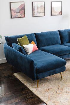 Mid Century Modern Living Room, Living Room Modern, Living Room Sofa, Living Room Furniture, Blue Velvet Sofa Living Room, Living Rooms, Mid Century Sectional, Velvet Furniture, Apartment Living