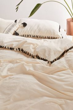 Shop Washed Cotton Tassel Duvet Cover at Urban Outfitters today. We carry all the latest styles, colors and brands for you to choose from right here. Cute Duvet Covers, Bed Duvet Covers, Queen Bed Dimensions, Duvet Covers Urban Outfitters, Toddler Girl Bedding Sets, Duvet Bedding, Cotton Duvet, Luxury Bedding Sets, Headboards For Beds