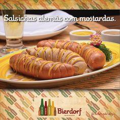 Salsichas Cervela, Schublig, Kalbsbratwurst acompanhadas de mostardas amarela e escura.