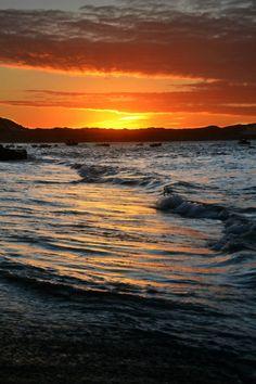 Praia da Pipa, Rio Grande do Norte - Por Paulo Alburquerque Rio Grande Do Norte, Terra Brasilis, Visit Brazil, Moon Rise, Life Form, Ocean Beach, Days Out, New Mexico, Cool Pictures