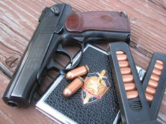 pistols guns Russia weapons USSR makarov KGB  / 1600x1200 Wallpaper