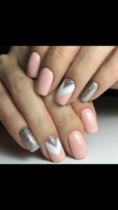 Nails art rose/blanc/ paillettes argenté
