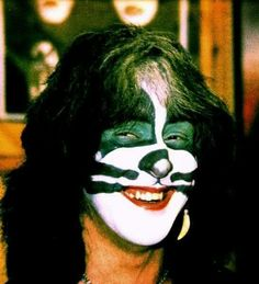 Peter Criss - Love that smile Vinnie Vincent, Eric Carr, Peter Criss, Kiss Pictures, Best Kisses, Paul Stanley, Kiss Band, Hot Band, Ace Frehley