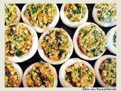 Ciuperci umplute cu quinoa #quinoa, #vegetarian Quinoa, Tacos, Vegetarian, Eat, Ethnic Recipes, Food, Eten, Meals, Diet