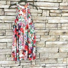 Grow Your Worth Dress, now available online!! This fabulous floral print is perfect for any spring and summer occasion. The flowy fit is flattering and the bright colors are sure to brighten your day.