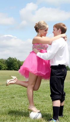 Perfect prom picture for soccer players (: or use a bball or football :) cuuuuute