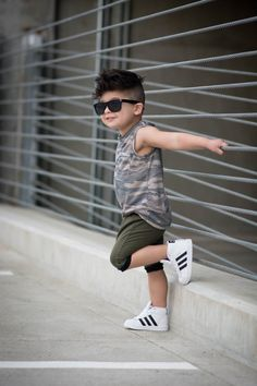 Cool kids haircuts the best hairstyles for kids 2019 43 Toddler Boy Fashion, Little Boy Fashion, Toddler Boy Outfits, Baby Boy Dress, Baby Boy Swag, Baby Girls, Outfits Niños, Kids Outfits, Summer Outfits