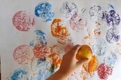 Témpera + limones Painting, Ideas, Creativity, Manualidades, Visual Arts, Artists, Painting Art, Paintings, Painted Canvas