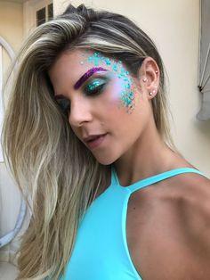 Inspirações de Make e Fantasias para o Carnaval 2018 Rave Festival, Festival Looks, Halloween Makeup Looks, Halloween Make Up, Make Carnaval, Festival Makeup Glitter, Rave Makeup, Carnival Makeup, Maquillage Halloween