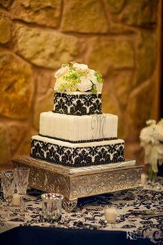 Granbury Cakes & The Wedding Connection- Granbury, Texas
