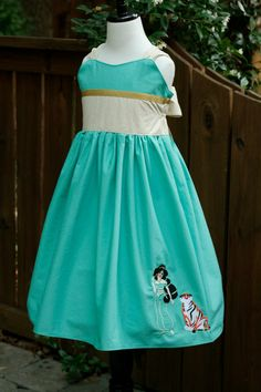 Princess Jasmine Every Day Wear Dress by DesignFairies on Etsy Princess Jasmine Dress, Disney Princess Dresses, Disney Dresses, Little Girl Dresses, Girls Dresses, Harry Potter Dress, Dress Up Aprons, Birthday Dresses, Custom Clothes