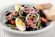 Salade nicoise, lekker nu de zon weer schijnt!!