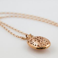 Items similar to Beautiful vintage, rose gold filigree pendant and chain + on Etsy Vintage Jewelry, Unique Jewelry, Gold Filigree, Vixen, Unique Vintage, Solid Gold, My Etsy Shop, Rose Gold, Australia