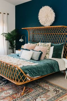 Modern Bedroom Ideas - Trying to find the best bedroom decor ideas? Utilize these attractive modern bedroom ideas as ideas for your own wonderful designing system . Room Ideas Bedroom, Home Decor Bedroom, Modern Bedroom, Bedroom Wall Colors, Bedroom Signs, Stylish Bedroom, Bedroom Bed, Best Linen Sheets, Bed Sheets