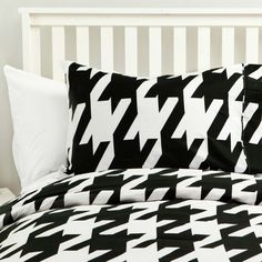 Black & white bedspread from dormify forms the basis for many awesome beds!