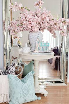 Glam Living Room, Living Room Decor, Bedroom Decor, Cherry Blossom Decor, Cherry Blossoms, Decoracion Habitacion Ideas, Spring Home Decor, Elegant Homes, Shabby Chic Decor
