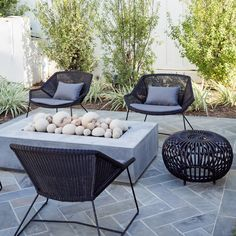 Garden Fire Pit, Fire Pit Backyard, Patio With Firepit, Fire Pit Patio Set, Make A Fire Pit, Outdoor Landscaping, Outdoor Patio Designs, Modern Patio Design, Contemporary Patio