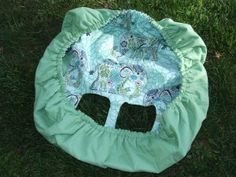 The giant shower cap, I mean, shopping cart cover Cart Cover For Baby, Baby Shopping Cart Cover, Baby Cover, Baby Sewing Projects, Sewing For Kids, Highchair Cover, Shower Cap, Creation Couture, Baby Kind