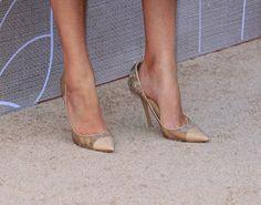 Elizabeth Banks's High Heels ...XoXo