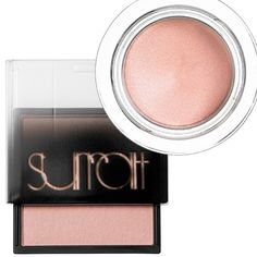 The Most-Flattering Peach Eyeshadows for Every Skin Tone - Fair Skin from InStyle.com