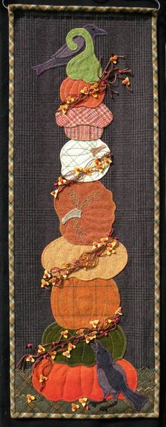 Willow Be Mine - Wool Applique Pattern - Pillow – Red Sand Fibre Art Studio Wool Applique Patterns, Felt Applique, Applique Quilts, Stitch Patterns, Felt Patterns, Wool Quilts, Mini Quilts, Felted Wool Crafts, Felt Crafts