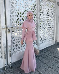 New Fashion Outfits Moda Juvenil 69 Ideas Hijab Prom Dress, Hijab Gown, Hijab Evening Dress, Muslimah Wedding Dress, Muslim Dress, Evening Dresses, Dress Up, Dress Muslim Modern, Dress Muslimah