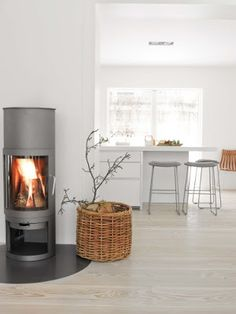 Love the simple design of this stove...