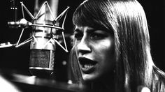 Mary Travers of Peter, Paul and Mary. Mary Travers, Mary Peters, Peter Paul And Mary, Vintage Music, Beautiful Voice, Photos Of The Week, Celebrity Photos, The Past, Darth Vader