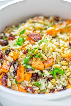 Wild Rice Pilaf [one pot, 25 minutes] This Wild Rice Pilaf is a super easy and tasty one pot meal. Naturally vegan, gluten free it ha : Wild Rice Pilaf [one pot, 25 minutes] This Wild Rice Pilaf is a super easy and tasty o One Pot Rice Meals, Easy One Pot Meals, Easy Family Meals, Vegetarian Dinner For One, Vegetarian Menu, Jamie Oliver, Sin Gluten, Quinoa, Wild Rice Pilaf